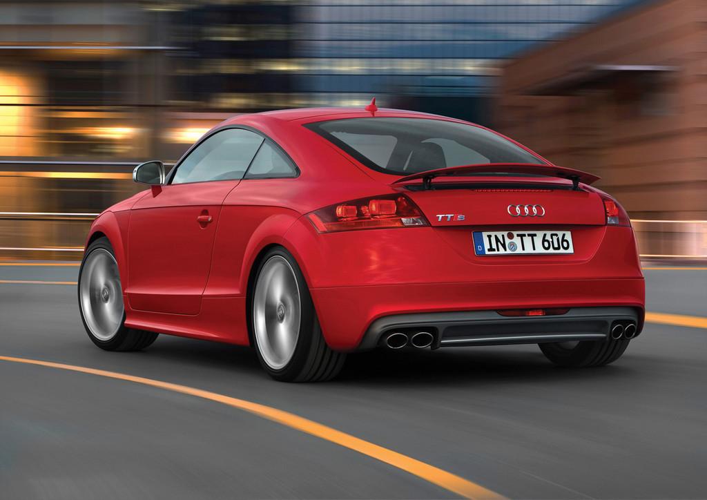 Foto de Audi TTS (19/40)