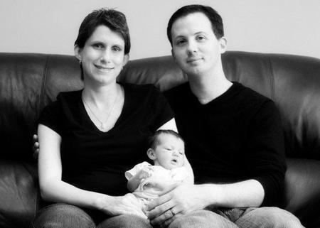 Un funcionario del Registro Civil decidirá el orden de los apellidos del bebé si los padres no se ponen de acuerdo