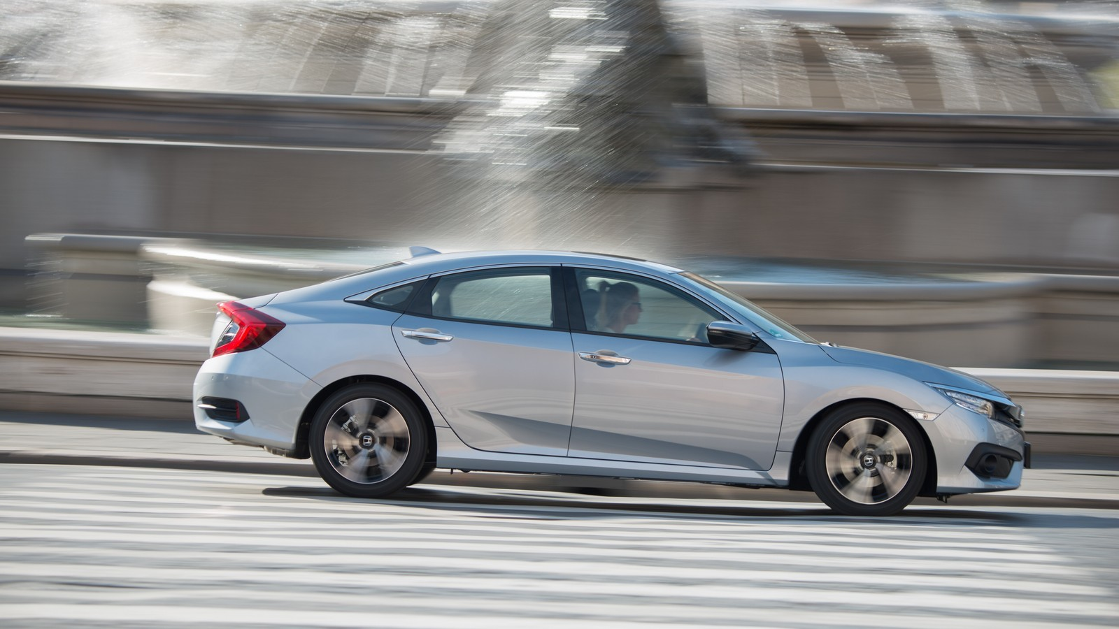 Foto de Honda Civic 4 puertas (18/37)