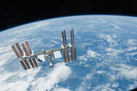 Los cosmonautas rusos encuentran nuevas fisuras en la Estación Espacial Internacional: plantea más dudas sobre su futuro tras 2024