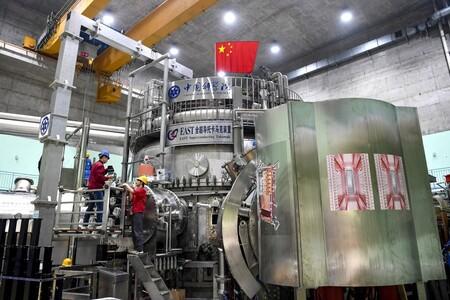 """China creó su """"sol artificial"""" de 120 millones de grados: el futuro de la energía limpia e ilimitada parece estar en la fusión nuclear"""