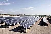 Benejama acoge la planta solar más grande del mundo