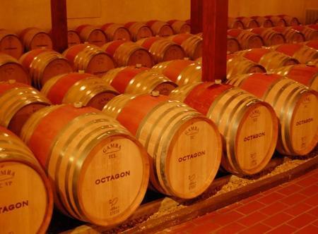 Barricas de roble para vino