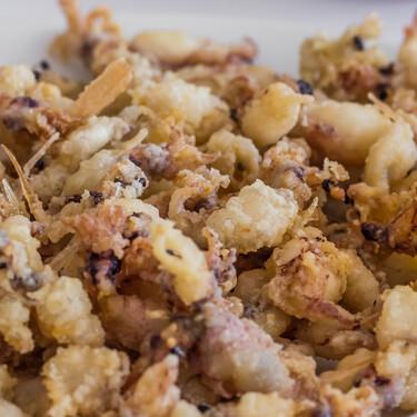 El mejor 'pescaíto' frito también sin gluten: así reconvirtió su cocina este chef malagueño tras la celiaquía de su hijo
