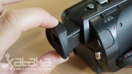 Panasonic X900 y su visor electrónico