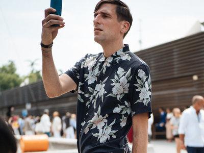 El mejor street-style de la semana: el triunfo de las camisas estampadas