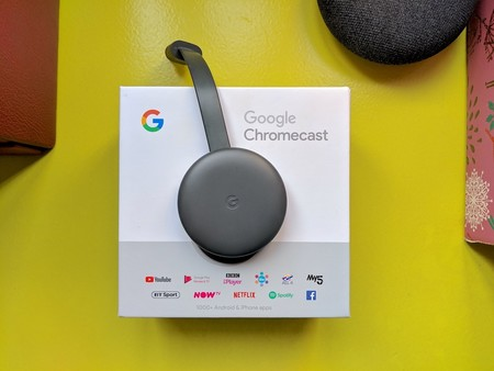 El popular Chromecast 3 está rebajado a 33,99 euros por los PcDays de PcComponentes: envía contenido en streaming desde el móvil