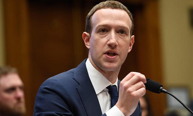 Mark Zuckerberg T