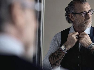 Alessandro Squarzi es el icono de estilo maduro de la nueva campaña de Mango