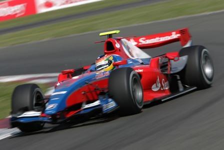 Bruno Senna logra la pole en Silverstone