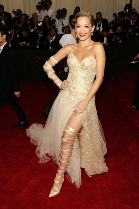 Rita Ora Gala MET 2014 peor vestidas