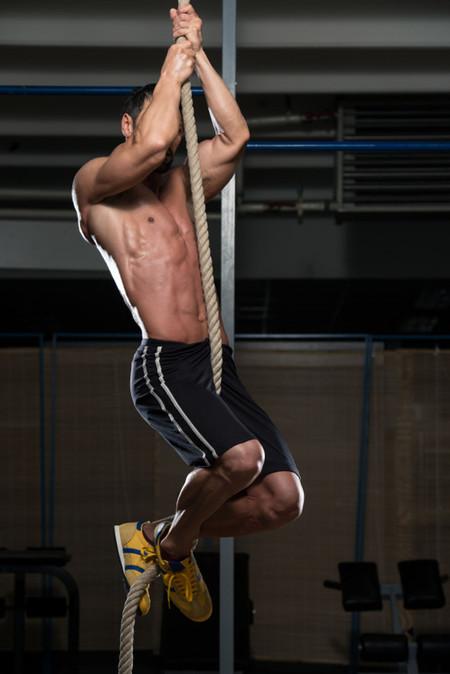 Cómo lograr tu primera escalada en cuerda o rope climb