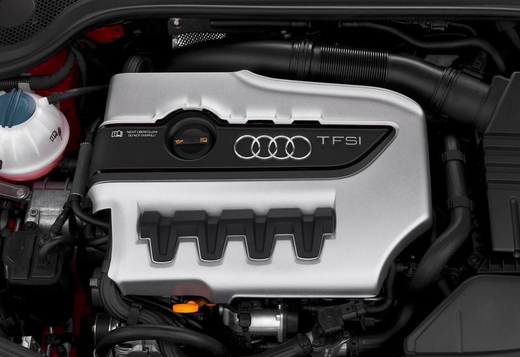 Foto de Audi TTS (28/40)