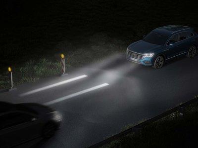 Volkswagen prepara una nueva generación de luces para desplegar mensajes en el camino