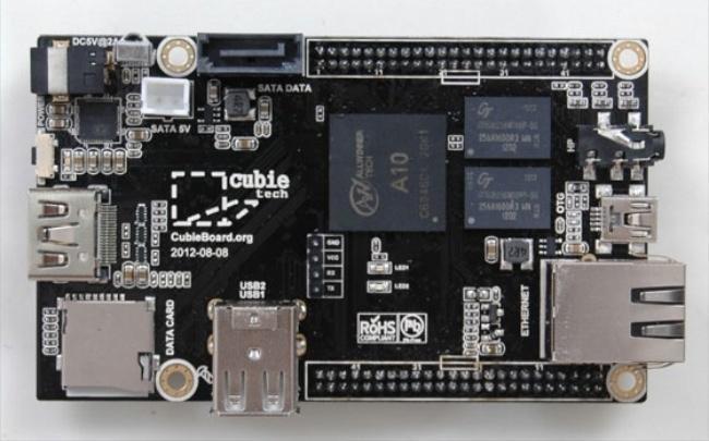 Esta es la Cubieboard, una interesante tarjeta de desarrollo con mejores posiblidades que la Raspberry Pi