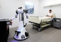 Cuatro robots, un solo cerebro en la nube y un paciente que cuidar: RoboEarth ya es real