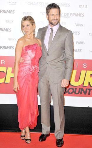 Jennifer Aniston en la premiere de Exposados en París