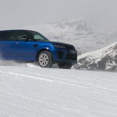 Foto 11 de 28 de la galería curso-de-conduccion-en-nieve-de-jaguar-land-rover en Motorpasión