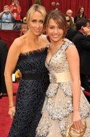 Miley Cyrus nos engañó en los Oscars