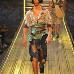 Foto 9 de 14 de la galería john-galliano-primavera-verano-2010-en-la-semana-de-la-moda-de-paris en Trendencias Hombre