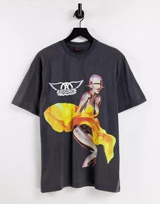 Camiseta extragrande con lavado negro y estampado de Aerosmith de Topman