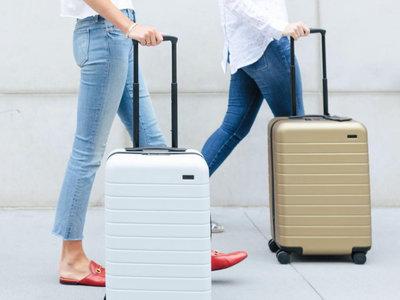 Tenemos nueva maleta favorita para hacer nuestro equipaje estas vacaciones. ¿Por qué todo el mundo habla de Away?