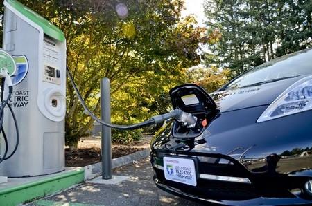 700 conductores australianos de coches eléctricos reclaman 35 estaciones de recarga rápida