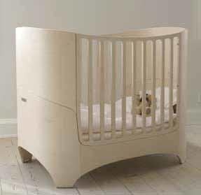 Cuna de diseño Leander que crece con el niño