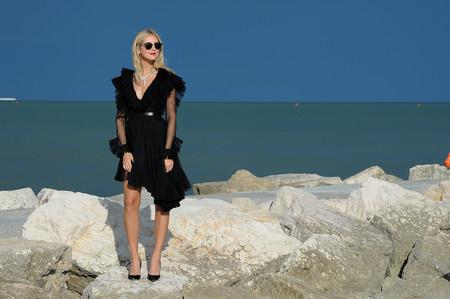 De riguroso luto, así vistió Chiara Ferragni en su segunda jornada en el Festival de Venecia 2017
