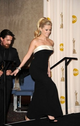 Reese Witherspoon zapatos Oscar 2011