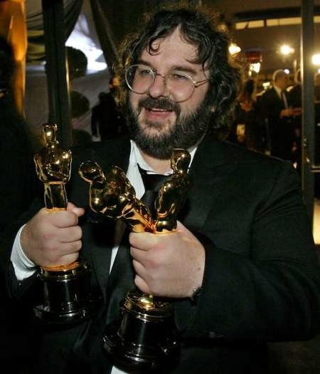 Peter Jackson con sus tres Oscars