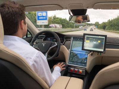 La conducción automatizada es casi una realidad, sólo faltan unas pinceladas y perderle el miedo