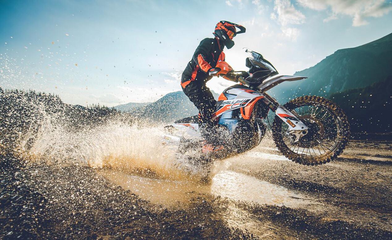 Foto de KTM 890 Adventure R y R Rally 2021 (7/9)