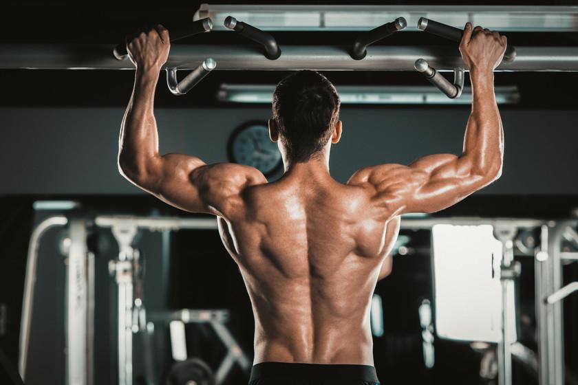 Entrena todo tu cuerpo en un tiempo récord con estos siete movimientos compuestos