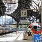 Ya podemos viajar, pero a precio de oro: los billetes de tren y avión se han disparado en España
