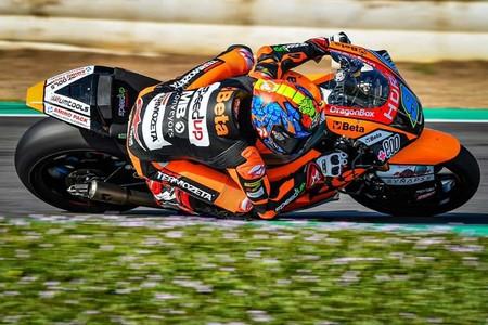 Jorge Navarro lidera con contundencia el primer día de pruebas de Moto2 y Moto3 en el circuito de Losail