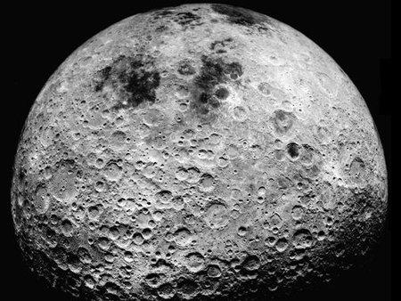 En moto por la luna, la madre de todas las rutas