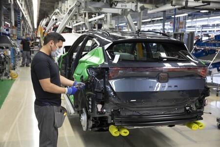 La falta de microchips obliga a SEAT Martorell a detener la producción este viernes, pero se reforzará en septiembre