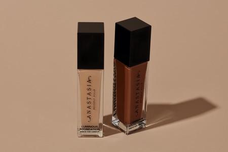 Anastasia Beverly Hills lanza su primera base de maquillaje fluido con 50 tonalidades, que ya estamos deseando probar