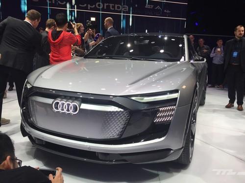 Con 500 km de autonomía eléctrica y hasta 503 CV, el Audi e-tron Sportback se adelanta al futuro