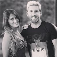 Apuntamos fecha, que el día de San Juan se nos casan Messi y Antonella