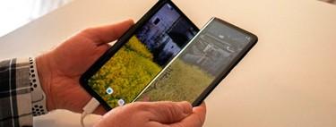 Primer contacto con los plegables de TCL: un móvil que se dobla en tres partes y una pantalla extensible