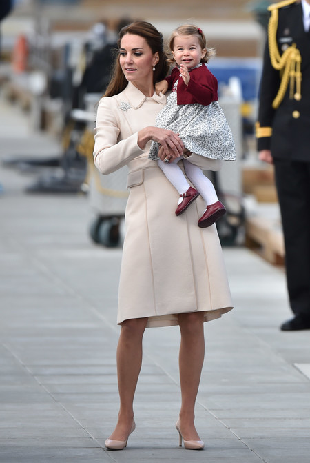 Duques Cambridge Kate Middleton Canada Abrigo Nude 2