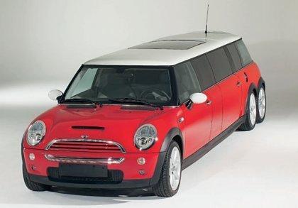 Mini Limousine en aparcamiento