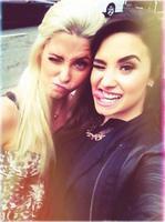 Demi Lovato agradecida, emocionada, solamente puede decir...