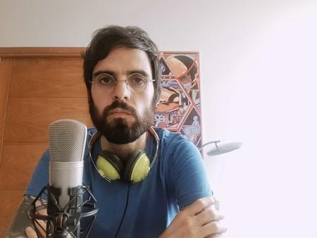 El equipo de Santi Araújo: ordenador, tarjeta de sonido, auriculares, micrófono y más