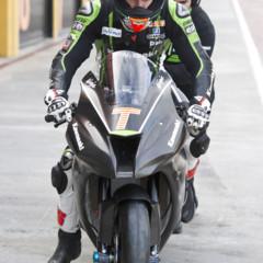 Foto 4 de 10 de la galería tom-sykes-y-joan-lascorz-fulminan-el-crono-del-circuito-de-ricardo-tormo en Motorpasion Moto