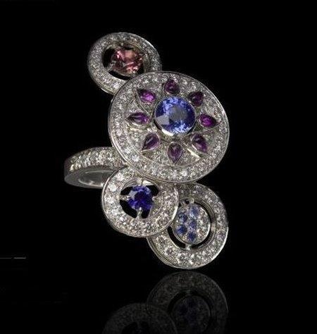 Sortija Sheherazade de Boucheron, las mil y una piedras preciosas