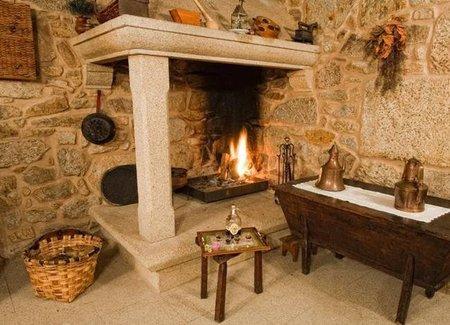 Hoteles bonitos casa de trillo en mux a galicia - Cocinar en la chimenea ...
