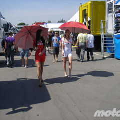 Foto 5 de 18 de la galería de-paseo-por-el-paddock-del-circuit en Motorpasion Moto